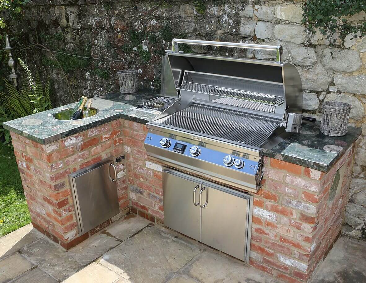 Tips To Consider When Choosing Built In Barbecue For Your Outdoor